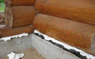 Чем заделать щели между фундаментом и брусом